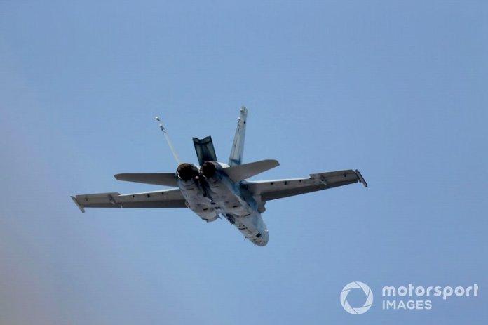 Un F / A-18A Hornet de 77 Squadron RAAF