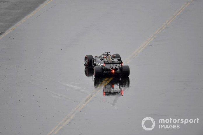 Romain Grosjean, Haas F1 Team VF-19, gira