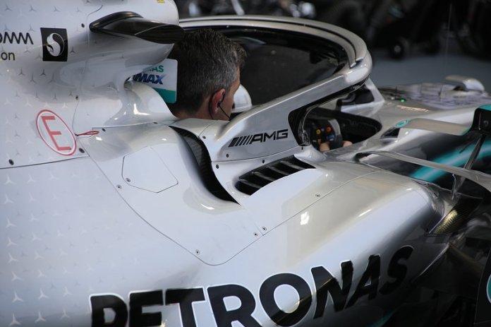El cockpit del Mercedes AMG F1 W10