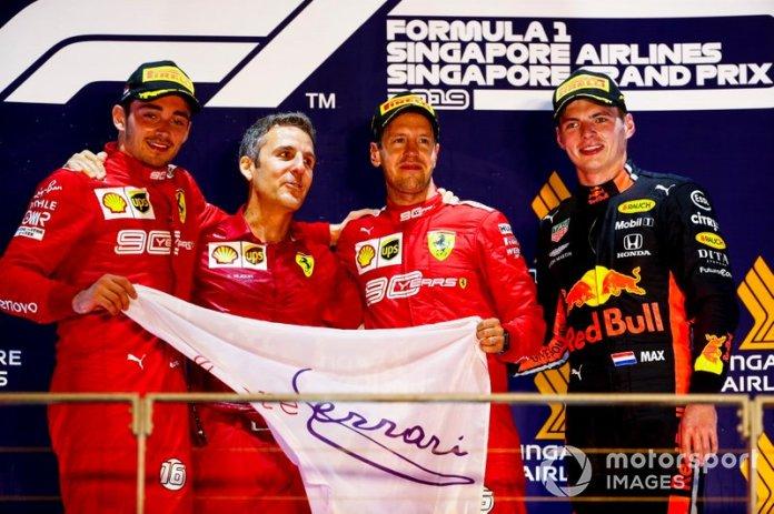 Charles Leclerc, Ferrari, il vincitore della gara Sebastian Vettel, Ferrari e Max Verstappen, Red Bull Racing festeggiano sul podio