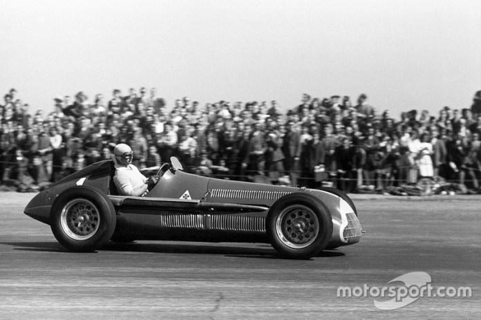20: Juan Manuel Fangio, 38