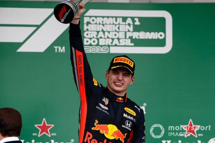 1º ganador de la carrera Max Verstappen, Red Bull Racing 1:33:14.678