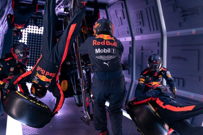 Red Bull Zero-G pit stop