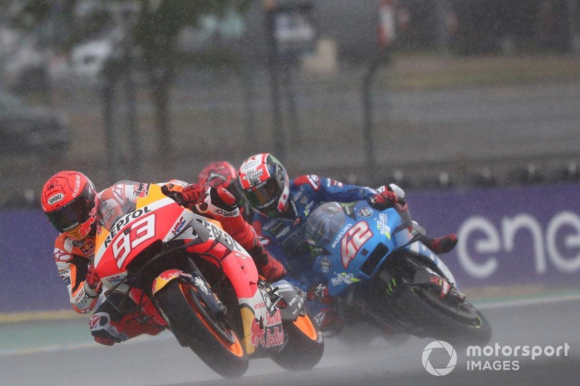 Marc Márquez, Repsol Honda Team, y caída de Alex Rins, Suzuki MotoGP Team