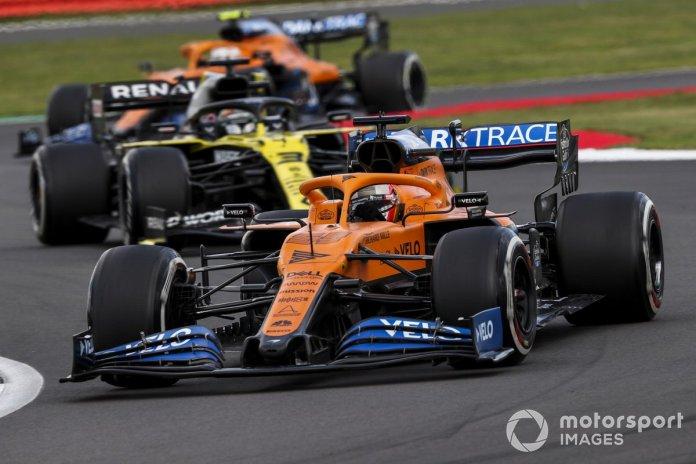 Carlos Sainz Jr., McLaren MCL35, Daniel Ricciardo, Renault F1 Team R.S.20, Lando Norris, McLaren MCL35