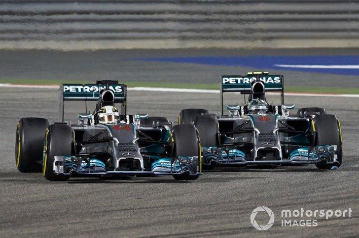10. Hamilton vs Rosberg (Bahrain 2014)