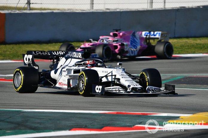 Pierre Gasly, AlphaTauri AT01 y Sergio Perez, Racing Point RP20