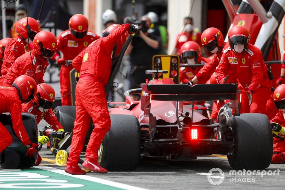 Charles Leclerc, Ferrari SF21, pitstop