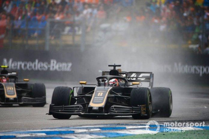 Romain Grosjean, Haas F1 Team VF-19, Kevin Magnussen, Haas F1 Team VF-19