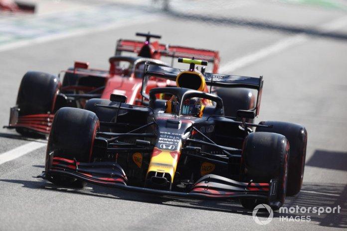 Alex Albon, Red Bull Racing RB16, Sebastian Vettel, Ferrari SF1000