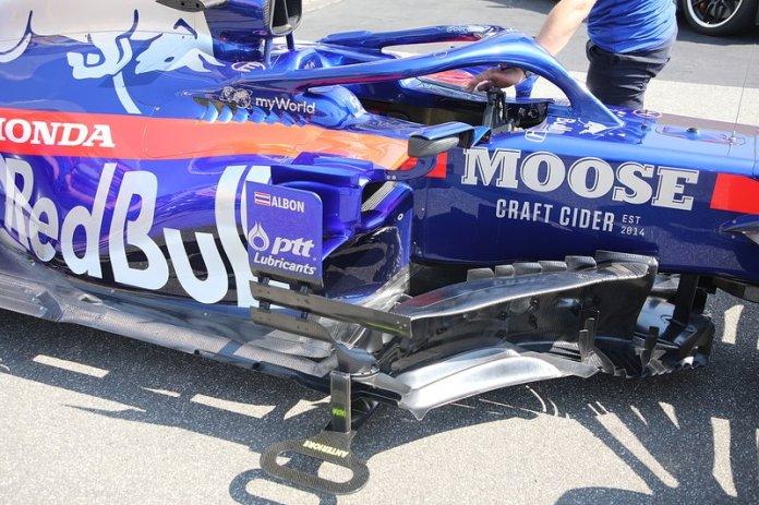 Detalle de los sidepods Toro Rosso STR14