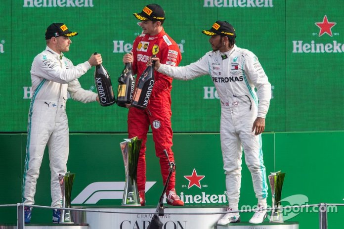 Podio: Charles Leclerc, Ferrari, Valtteri Bottas, Mercedes AMG F1, Lewis Hamilton, Mercedes AMG F1