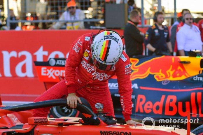 Sebastian Vettel, Ferrari, arriva in griglia di partenza, dopo le Qualifiche