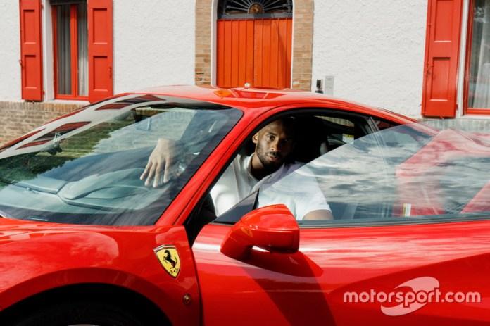 Kobe Bryant en Ferrari