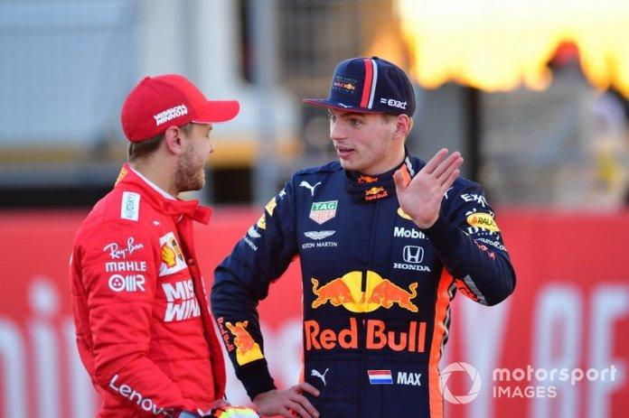 Sebastian Vettel, Ferrari con Max Verstappen, Red Bull Racing