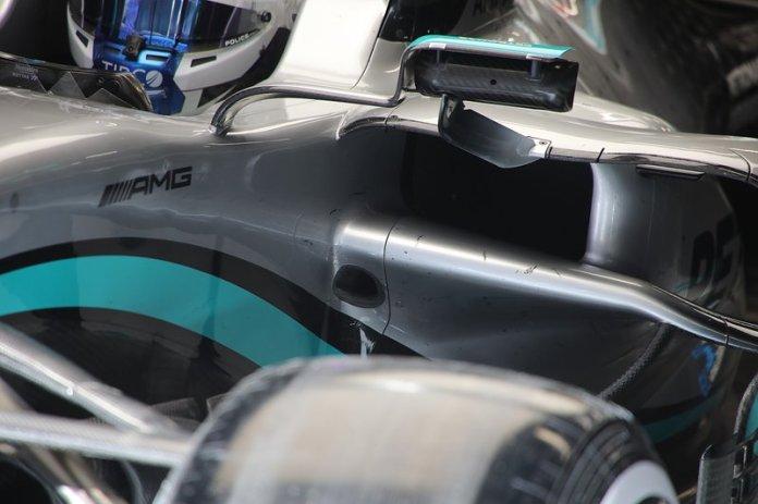 Detalle del espejo del Mercedes F1 W11
