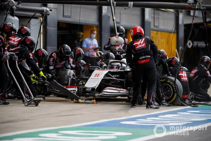 Romain Grosjean, Haas VF-20, en pits