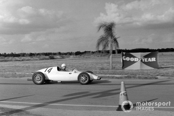 Alessandro de Tomaso, Cooper T43 Osca
