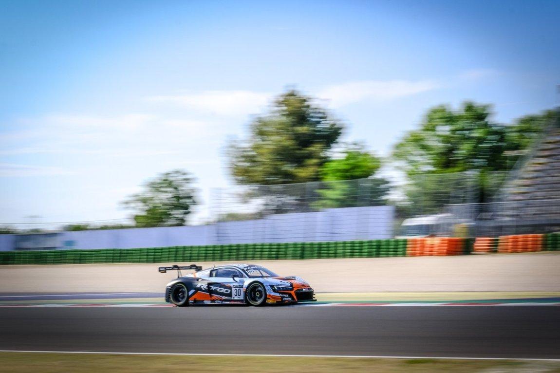 # 30 Team WRT Audi R8 LMS GT3: Benjamin Goethe, Kelvin van der Linde