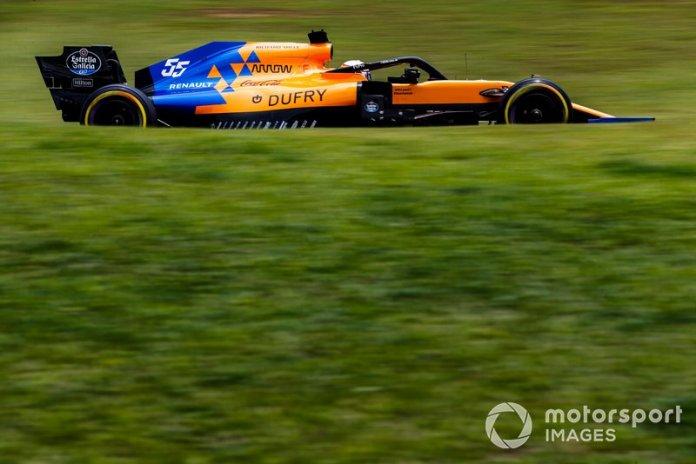 Sainz, de último a cuarto (luego sería tercero por penalización de Hamilton