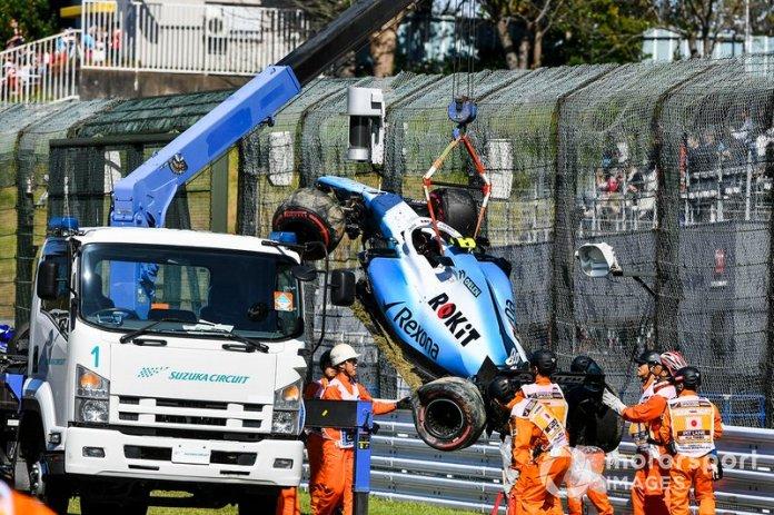 Los oficiales quitan el coche de Robert Kubica, Williams FW42