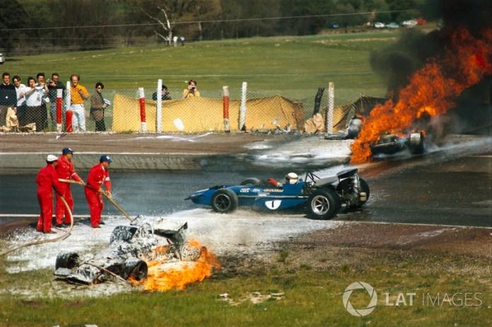 """""""Tuve la suerte de salir vivo en una de las épocas más terribles del automovilismo"""". Jackie Stewart"""