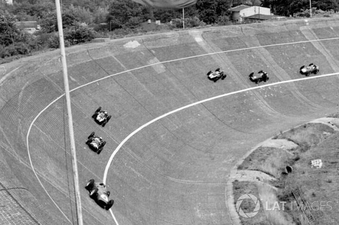 El circuito de Avus recibió solo en una ocasión el GP de Alemania, el 2 de agosto de 1959, y fue ganado por el británico Tony Brooks a bordo de un Ferrari.