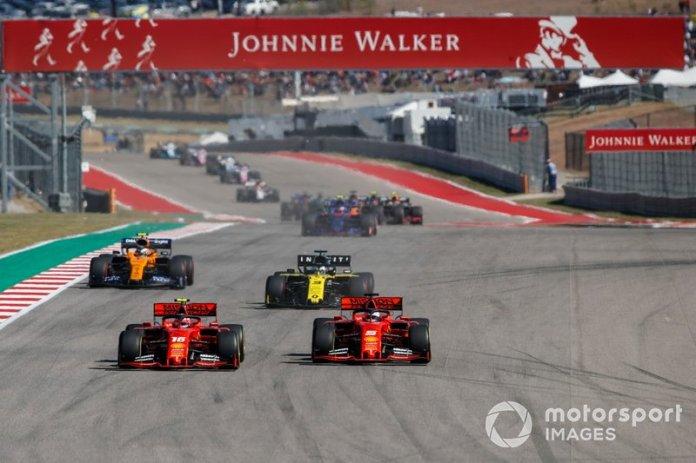Inicio Charles Leclerc, Ferrari SF90, battles Sebastian Vettel, Ferrari SF90 ahead of Daniel Ricciardo, Renault F1 Team R.S.19 y Lando Norris, McLaren MCL34