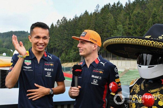 Alex Albon, Red Bull Racing, Max Verstappen, Red Bull Racing