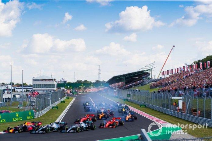 Max Verstappen, Red Bull Racing RB15, Valtteri Bottas, Mercedes AMG W10, Lewis Hamilton, Mercedes AMG F1 W10, Charles Leclerc, Ferrari SF90, Carlos Sainz Jr., McLaren MCL34, Sebastian Vettel, Ferrari SF90