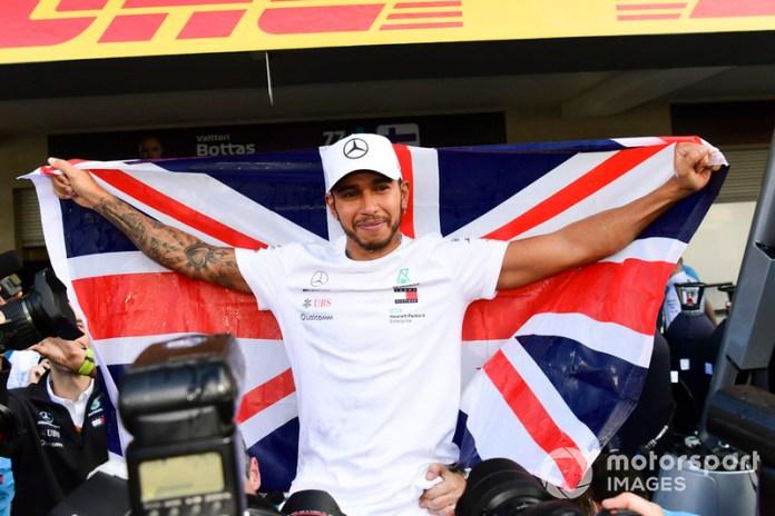 Lewis Hamilton con Mercedes AMG F1