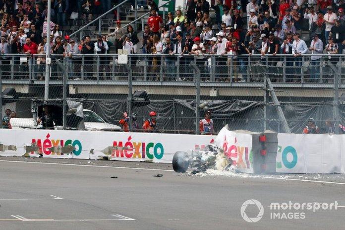 Choque de Valtteri Bottas, Mercedes AMG W10