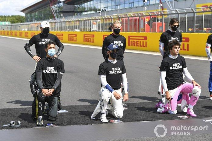 Valtteri Bottas, Mercedes-AMG F1, Kevin Magnussen, Haas F1, Daniel Ricciardo, Renault F1, Pierre Gasly, AlphaTauri, Lance Stroll, Racing Point, muestran su apoyo a la campaña para el fin del racismo