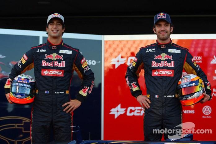 Pero a finales de 2011 dejaron de contar con ambos, y los dos tuvieron que abandonar la Fórmula 1. Toro Rosso afrontaba una nueva temporada con aire fresco en sus filas, y anunciaron a Daniel Ricciardo y Jean-Éric Vergne como nuevos pilotos para 2012.