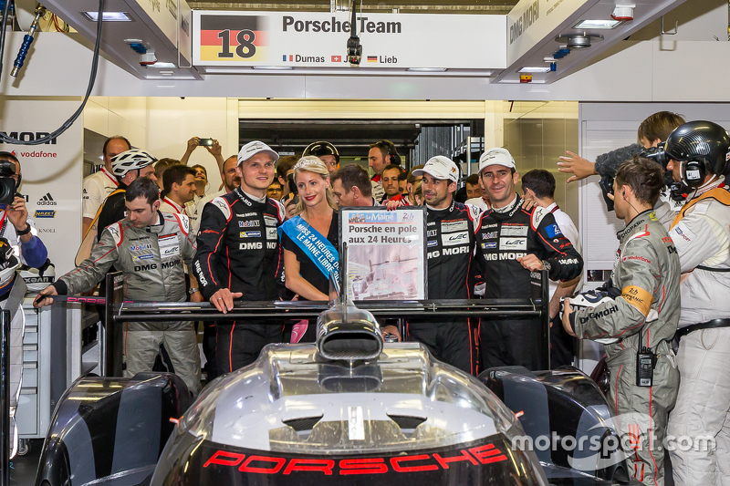 2015 24 Hours of Le Mans Pole Winner #18 Porsche Team Porsche 919 Hybrid: Romain Dumas, Neel Jani, Marc Lieb