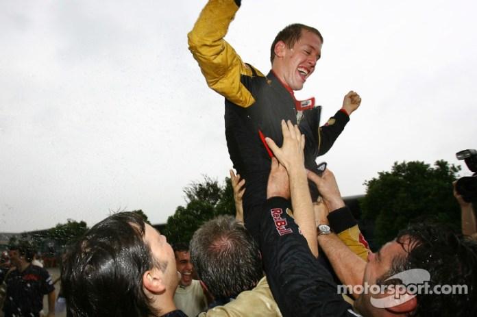 Speed fue despedido y le sustituyó, desde mediados de 2007, Sebastian Vettel. Pocas carreras después, en el GP de China 2007, Vettel logró un gran cuarto puesto que el equipo celebró por todo lo alto. Fue el mejor resultado de Toro Rosso en sus dos primeras temporadas.