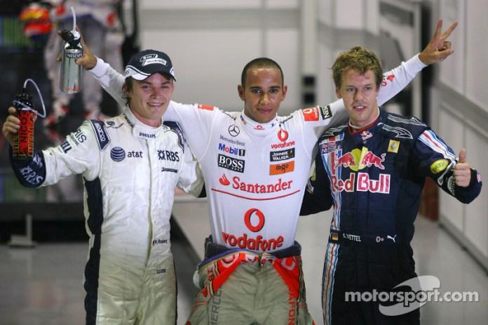 Unos jovencísimos Nico Rosberg, Lewis Hamilton y Sebastian Vettel en Singapur 2009