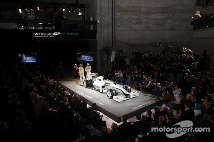Nico Rosberg y Michael Schumacher a escena