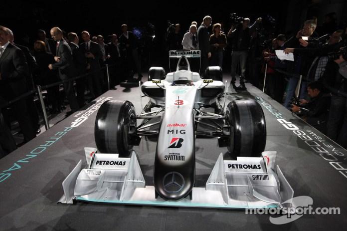 Auto Brawn GP 2009 con la decoración de Mercedes 2010