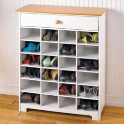 Trik Menyimpan Sepatu Agar Tak Mudah Rusak, Bau dan Ditumbuhi Jamur