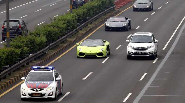 Kepala Korlantas Polri Bela Anak Buahnya Kawal Lamborghini Tanpa Pelat