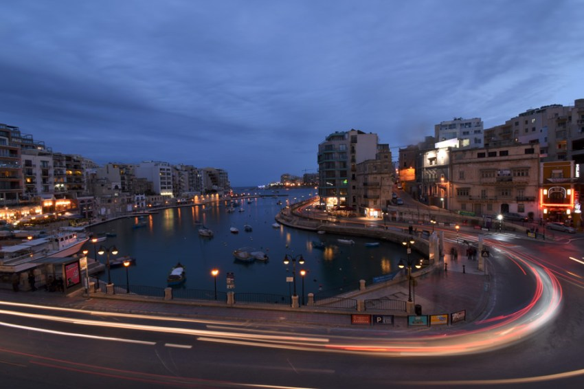 Photo of a city at night, shot with the AF-P DX NIKKOR 10-20mm f/4.5-5.6G VR lens