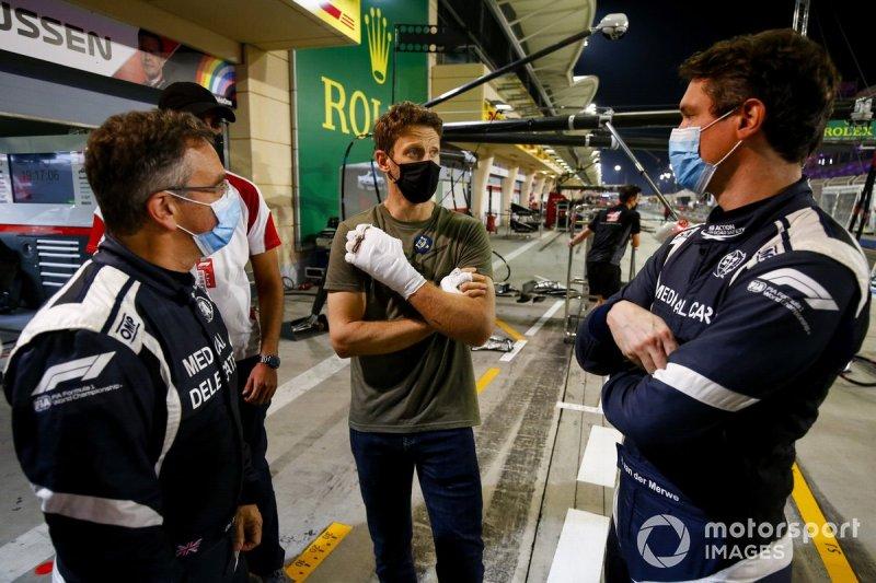 Romain Grosjean met Dr. Ian Roberts en Alan van der Merwe