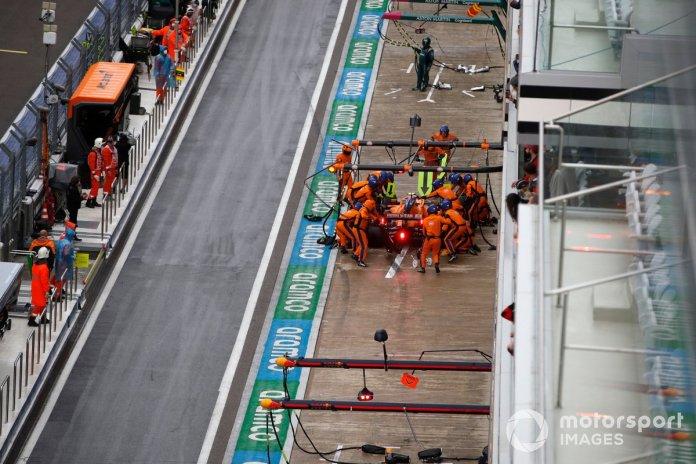 Lando Norris, McLaren MCL35M, pits in for tyres