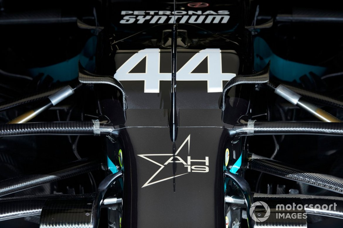 Mercedes F1 W11: here are the new flaps on the chassis