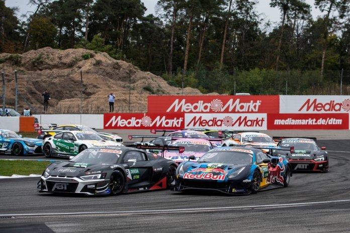 Kelvin van der Linde, Abt Sportsline Audi R8 LMS GT3, Liam Lawson, AF Corse Ferrari 488 GT3 Evo