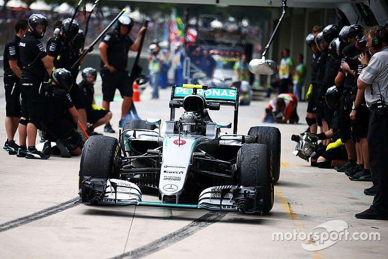 Mercedes: spostata la piazzuola del pit stop per un avvallamento