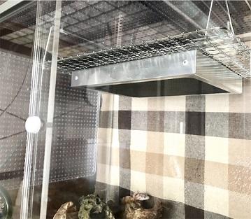 爬虫類の保温器具暖突