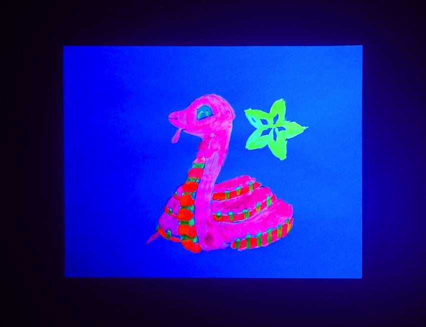 Fluorescent Pigments demo 02 ORIG 2019 05