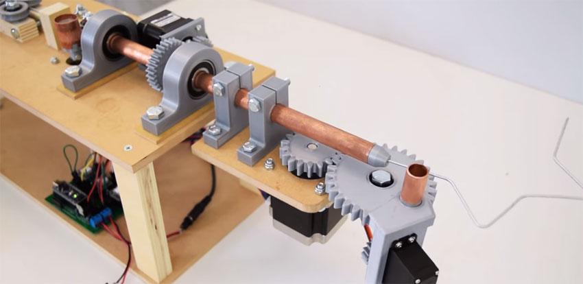 Máquina dobladora de alambre casera controlada con Arduino